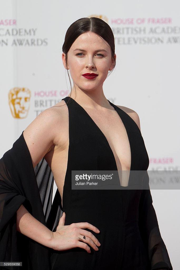 Alexandra Roach wearing 6229's LIGHTNING RING at BAFTA's in London 08.05.16